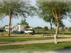RV and Tent Camping near I80 in Iowa, near Newton and Grinnell